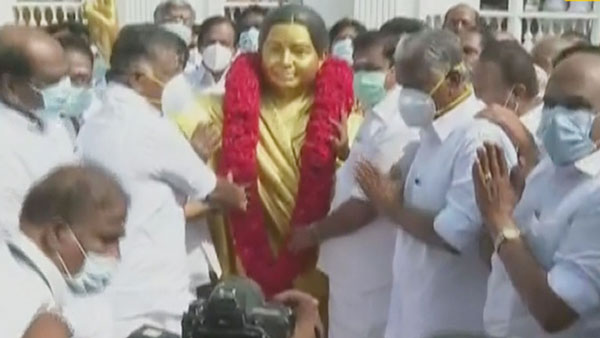 jayalalitha birthday: CM Edappadi Palaniswami and Dy CM O.Pannerselvam paid tribute