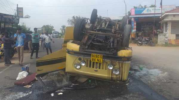 Van going to ADMK campaign meeting met with accident, 23 injured