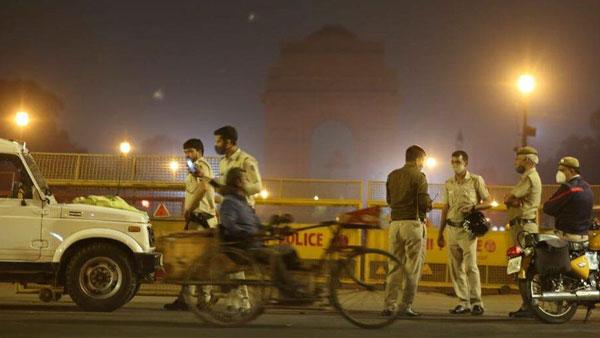 அதிதீவிரமாக பரவும் கொரோனா... டெல்லியில் சனி, ஞாயிறுகளில் ஊரடங்கு அமல்- கெஜ்ரிவால்
