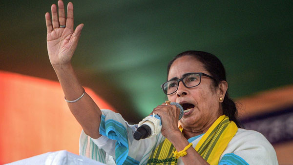 WB Assembly election 2021: EC Sends Notice to Mamata Banerjee for Asking Muslims to Vote En bloc for TMC