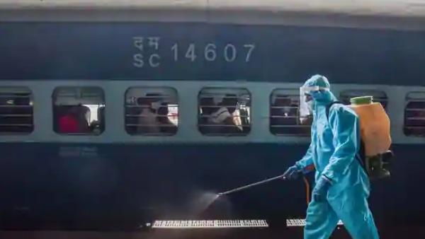ரயில்வே ஸ்டேஷன் போறீங்களா.. மாஸ்க் போட்டுக்கோங்க. இல்லாட்டி ரூ.500 அபராதம் கட்டணும்..பாத்துக்குங்க!