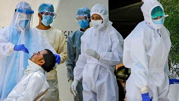 இந்தியாவில் கொரோனா பாதிப்பு 2.6 லட்சமாக குறைவு- ஒருநாள் உயிரிழப்பு 4,340 ஆக அதிகரிப்பு