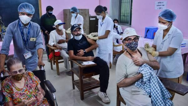 சென்னை வந்த 3,10,000 கோவிஷீல்டு டோஸ்கள்.. தமிழ்நாட்டில் தடுப்பூசி தட்டுப்பாடுக்கு தீர்வாகுமா?