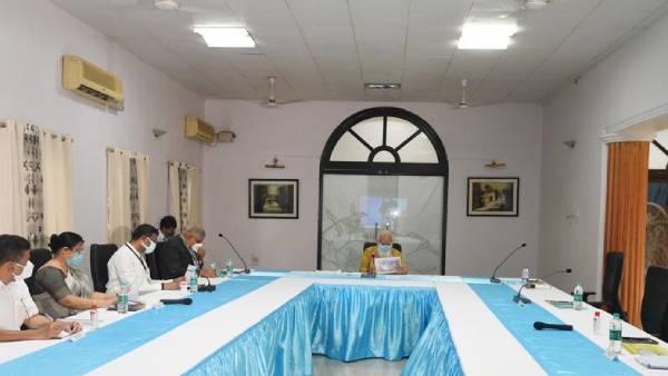 புயல் தாக்கிய மேற்கு வங்கம், ஒடிசாவில்.. பிரதமர் மோடி இன்று ஆய்வு.. மமதாவையும் சந்திக்கிறார்!