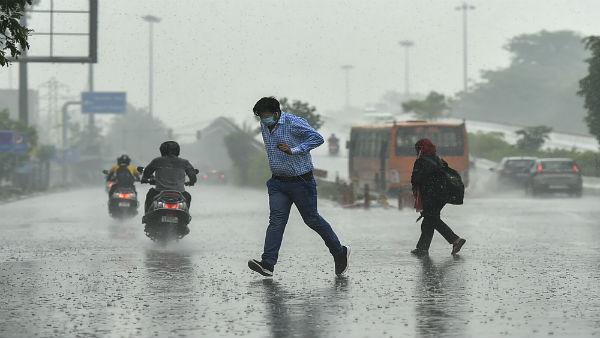 அடுத்த 24 மணி நேரத்தில்.. இந்த 3 மாவட்டங்களில் மழை வெளுத்து கட்ட போகுது - சென்னை வானிலை ஆய்வு மையம்
