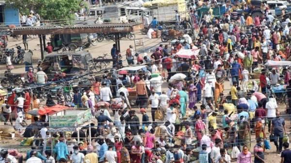 கூட்டம், கூட்டமாக சென்னை திரும்பும் மக்கள்.. ரயில்களில் கூட்டம்.. சுங்கச் சாவடிகள் பிஸி!