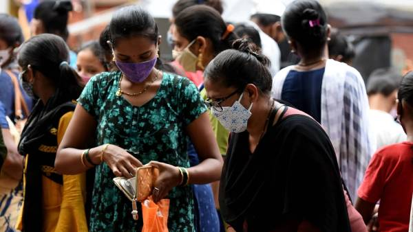 இந்தியாவில் கடந்த 24 மணிநேரத்தில் 41,506 பேருக்கு கொரோனா; 895 பேர் மரணம்