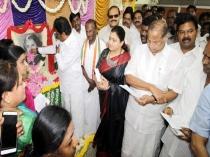 Thirunavukarasar Pay Homage Indira Gandhi
