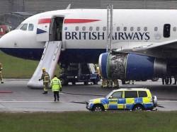 Laser Burns Pilot S Eye As Plane Lands London