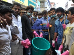 Nadigar Sangam Members Cleans Up Flood Affected Areas