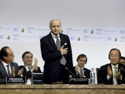 Nations Approve Landmark Climate Accord Paris