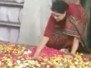 பெங்களூர் ஜெயிலுக்கு போகும் வழியில் சபதம் எடுத்த சசிகலா