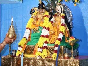 சுவிட்சர்லாந்து  ஞானலிங்கேஸ்வரர் குருந்தமரத்தடியில் காட்சி... பூப்பல்லக்கில் ஊர்வலம்