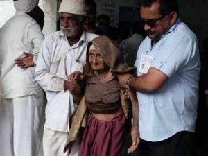 குஜராத் தேர்தலில் வாக்களித்த 126 வயது மூதாட்டி!