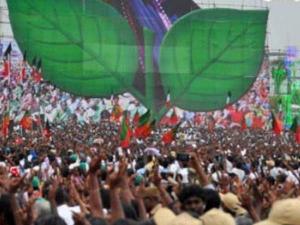 கர்நாடக சட்டசபை தேர்தல்: 3 தொகுதிகளில் அதிமுக போட்டி.. வேட்பாளர்கள் பட்டியல் அறிவிப்பு