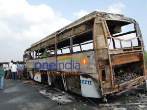 சென்னை டூ ஹைதராபாத் ஆம்னி பஸ்சில் தீ... பெண் பயணி உஷார்படுத்தியதால் 38 பயணிகள் தப்பினர்!