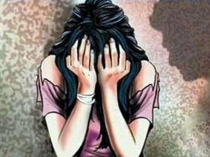 சிகிச்சைக்கு வந்த 14 வயது சிறுமியை டாக்டரே சீரழித்த கொடுமை..கருவைக் கலைக்க உச்சநீதிமன்றம் அனுமதி