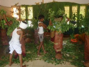 காரைக்குடி மாணவர்களின் கலக்கலான மௌனக் கலைக் கண்காட்சி