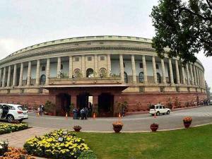 பெரும் பரபரப்புக்கிடையே நடந்து முடிந்தது 16 மாநிலங்களுக்கான ராஜ்யசபா தேர்தல்