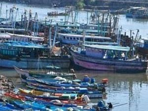 Rameswaram Fishermen Abducted Lankan Navy Men Aid