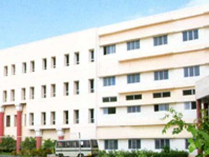 Ayurveda Medical College Girls S Complaint About Hostel