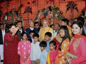Pranab Modi Sonia At Wedding Reception Lalu Daughter