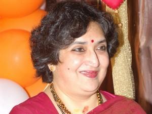 Latha Rajinikanth Accused Fraud