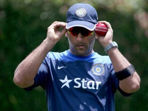 Dhoni Is Desperate Break This Partnership