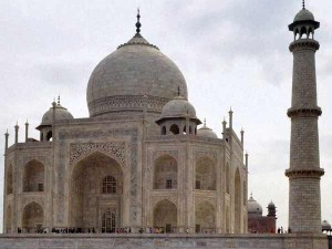 Taj Mahal Is Built On Shiv Temple Claims Dwarka Peeth Shankracharya