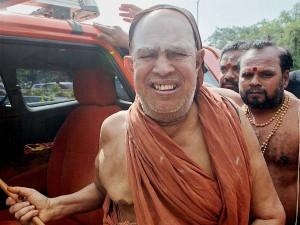 Tn Police Enquire Kanchi Sankaracharya