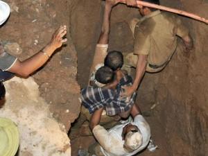 Years Old Boy Fallen Borewell Uttar Pradesh Safe Rescue E