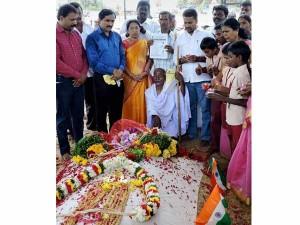 Tn Remembers Abdul Kalam On His Birth Anniversary