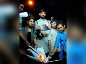 Students Abvp Members Burn Manusmriti