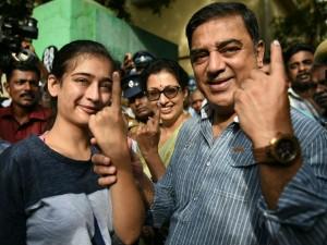 Actor Kamal Haasan Casting His Vote