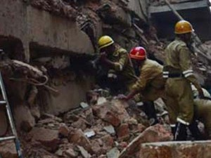 Labourers Killed As Under Construction Arch Collapses