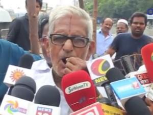 Traffic Ramasamy Sleeps Mount Road Remove Amma Banners