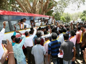 Cauvery Water Row Farmers Stage Protest Mandya