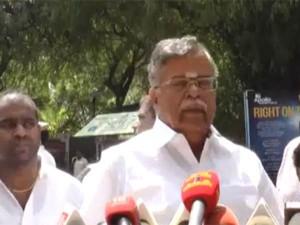 Jayalalithaa S Health Ila Ganesan Visits Apollo Hospitals
