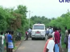 Periyakulam Near Man S Body Recovered From Garden