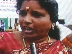 Admk Women Agitate Against Sasikala