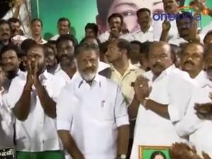 Ops Venkaiah Naidu Pay Respects Jayalalithaa