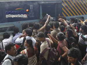 Pongal Festival Heavy Rush At Bus Stands Railway Stations