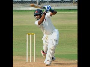 4th Test Shreyas Iyer Called As Cover Virat Kohli Join Tea