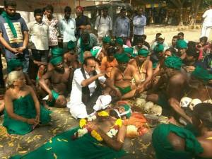 Tamilnadu Farmers Protest Delhi As 13th Day