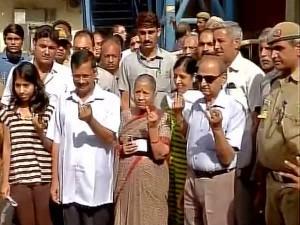 Polling Begins 3 Delhi Municipal Corporations