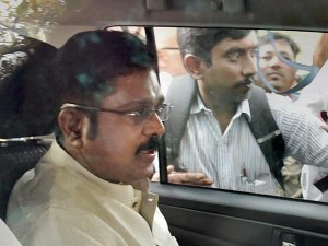 Admk Factions Shock Over Dinakaran Aid Malli Arrest