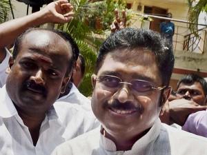Admk Deputy Secretary Dinakaran Arrested After 35 Hours Investigation