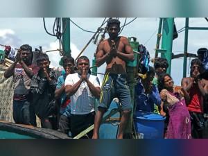 Tamil Refugees Return Back Sri Lanka
