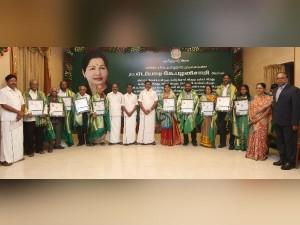 Edapadi Palanisamy Gives Tamil Chithirai Awards