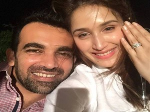 Zaheer Khan Gets Engaged Bollywood Actress Sagarika Ghatge